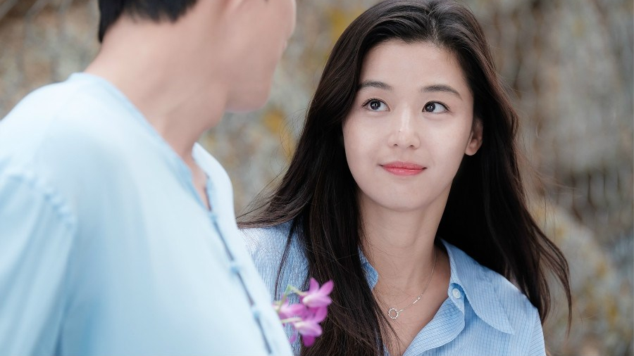 Jun Ji Hyun is reported to make a comeback in a drama early next