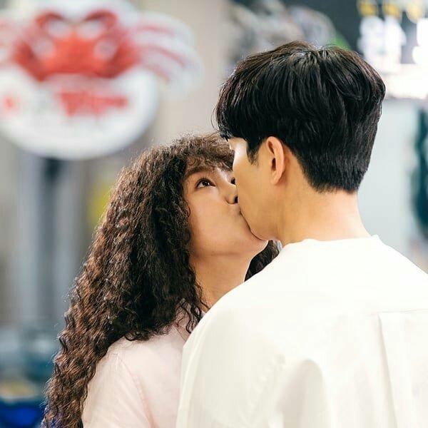 Go Won Hee and Shin Sung Ruk kiss perfume drama