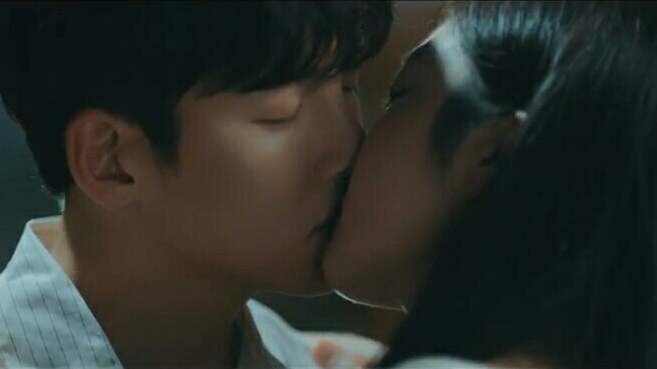 ji chang wook and chae seo jin kiss please melt me korean drama