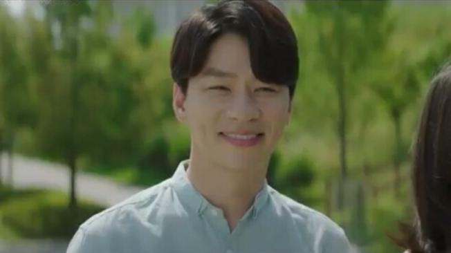 Ji Chang Guk played by Jung Sang Hoon