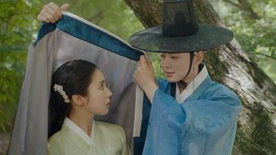 rookie-historian-goo-hae-ryung-cha-eun-woo-and-shin-se-kyung-5.jpg